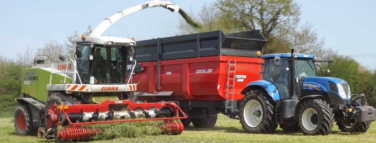 Remorque agricole CORTAL 210 à l'ensilage