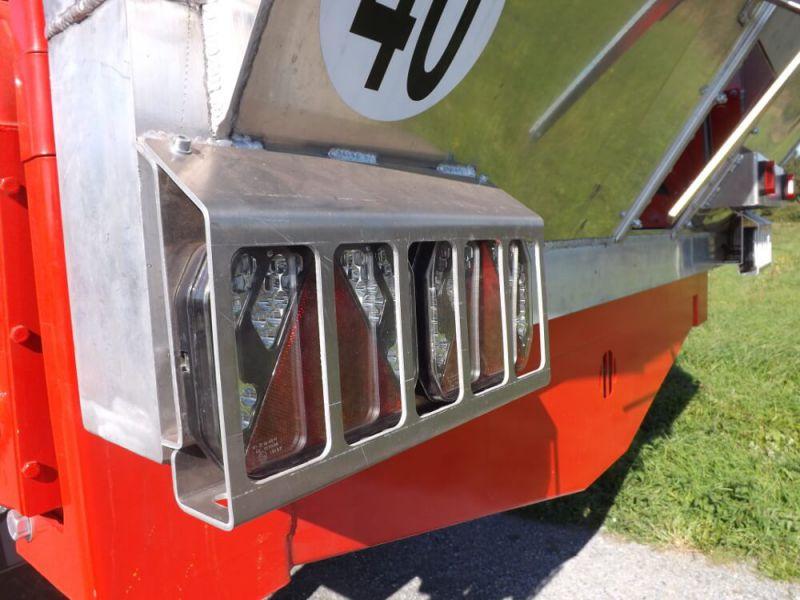 Double feux à LEDS sur porte aluminium