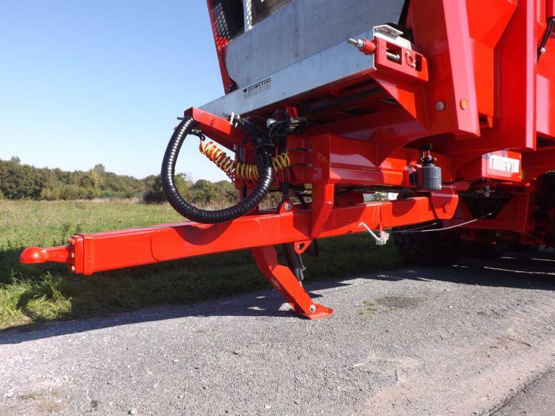 Flèche à suspension hydraulique avec béquille hydraulique escamotable