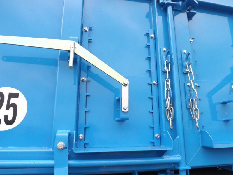 Trappe à enrobé 290 x 335 mm en acier sur remorques TP