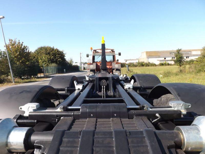 Verrouillage hydraulique arrière caisson sur porte caisson